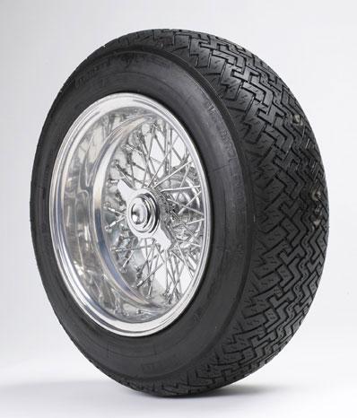 Ruota Borrani con pneumatico Pirelli Cinturato ™